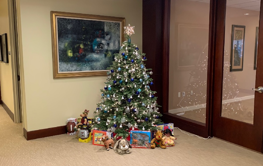 Cohen Seglias Continues Tradition of Holiday Season Giving